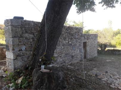 Remise en état des mur d'un ancien séchoir à noix à Cazillac (46)