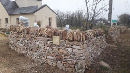 Création d'un mur de clôture avec inclusion d'un motif sur la commune de Cuzance (46)